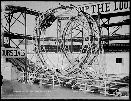 Lunapark_Loop-the-Loops_modified