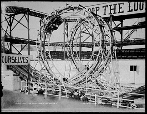 Lunapark_Loop-the-Loops_modified
